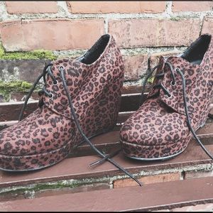 Forever 21 Leopard Bootie wedges
